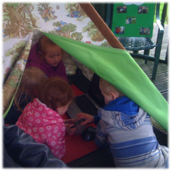 Computer play tent