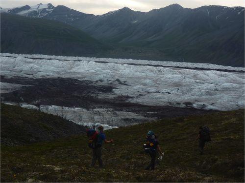 Route across long glacier